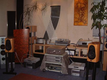 h ndlertest hifih ndler heimkinoh ndler hifistudio art. Black Bedroom Furniture Sets. Home Design Ideas